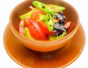 Салат овощной грузинский с зеленью