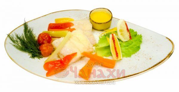 Судак с овощами