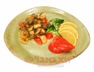 Вырезка из говядины с белыми грибами