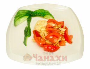 Жареные помидоры с яйцом