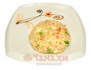 Рис жареный с яйцом